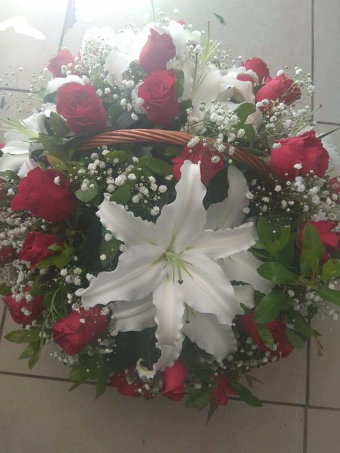 άγιος βαλεντίνος-πατερακης-αποστολη λουλουδιών