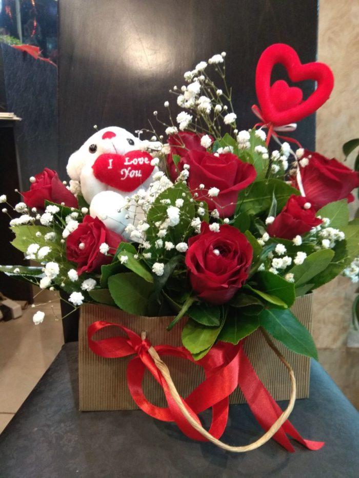 άγιος βαλεντίνος-πατερακης-αποστολη λουλουδιών5