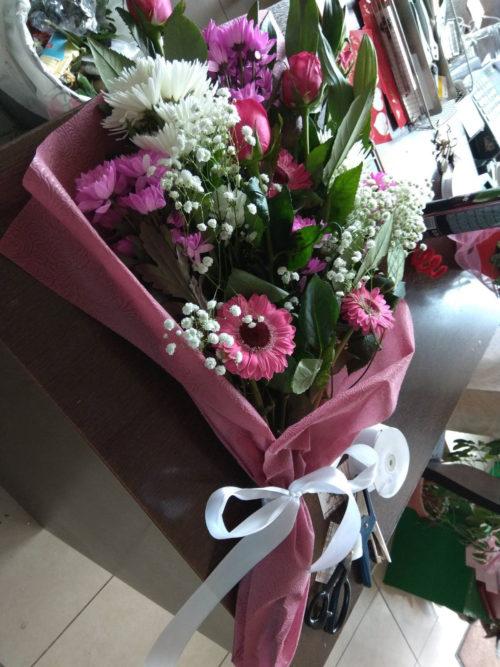 Την ημέρα του Αγίου Βαλεντίνου δείξτε την αγάπη σας με ένα λουλούδι!